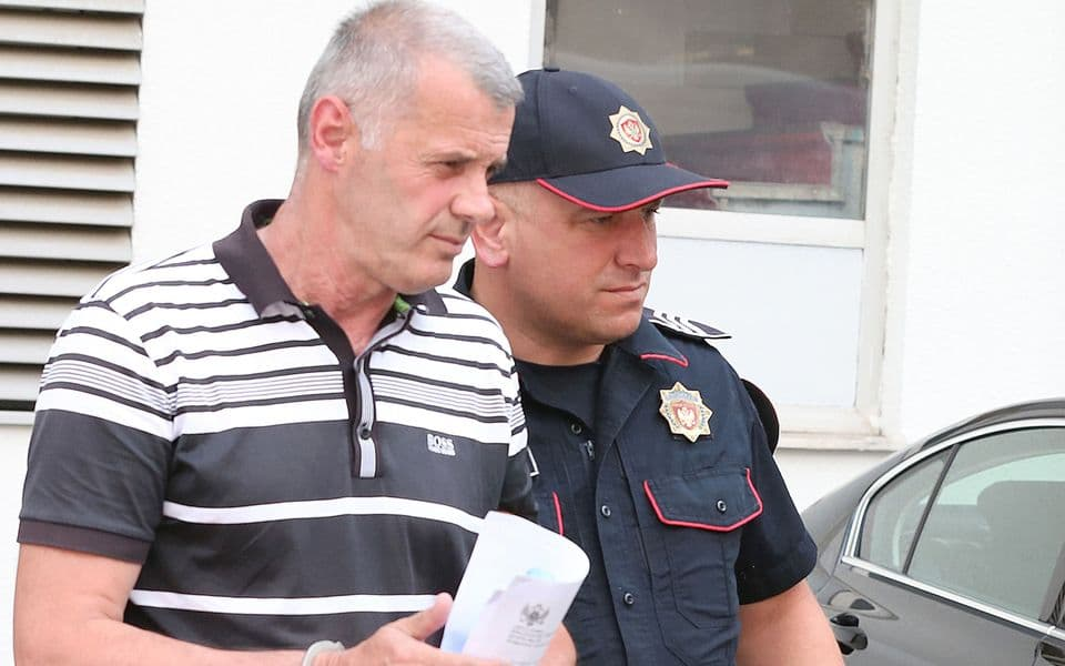 Paović i Zurovac opkolili policajca dok je Drecun nasrnuo na Radulovića