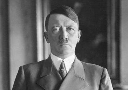 Rijetka Hitlerova fotografija u boji: Izrazito plave oči hipnotisale su sagovornike