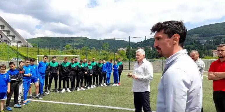 Tako to rade šampioni: Stefan Savić posjetio Brskovo - Sjećanje odakle dolazim guralo me naprijed