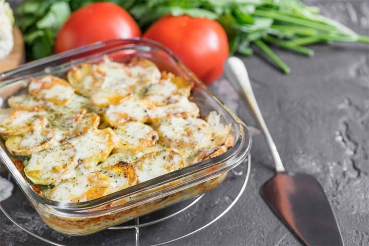 Lagani ručak: Piletina sa tikvicama i pavlakom