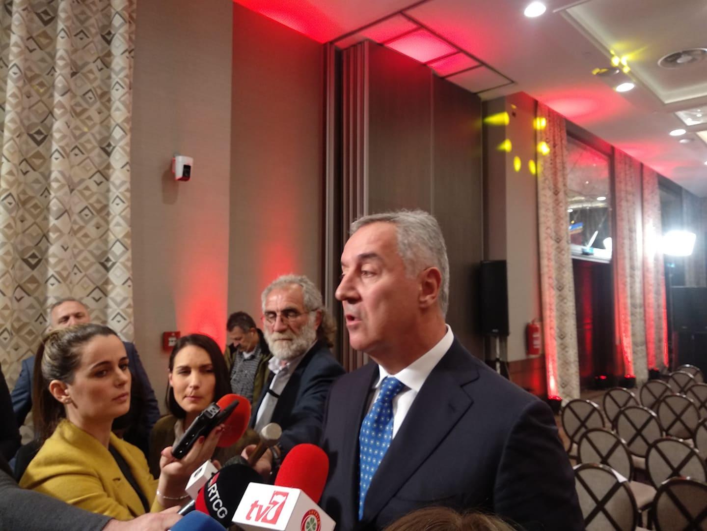 Đukanović: Putovao sam avionom Vlade u službene svrhe, naknadno sam o svom trošku putovao gdje sam želio
