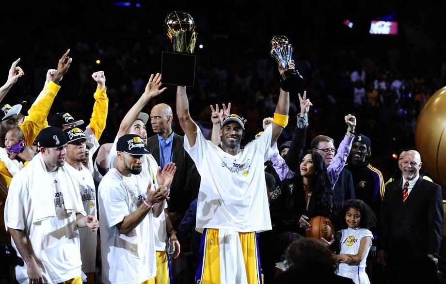 NBA noć: Košarkaši jedva stajali, navijači Denvera i Hjustona plakali zajedno