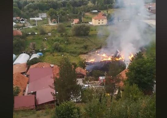 Pljevlja: Vlasnik spriječio vatrogasce da ugase vatru