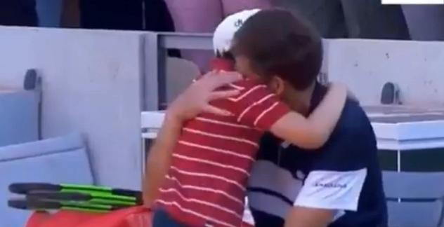 Najemotivniji trenutak Rolan Garosa: Teniseri nijesu mogli da sakriju suze
