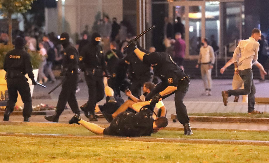 Policija nasilno razbila proteste protiv Lukašenka, ima mrtvih
