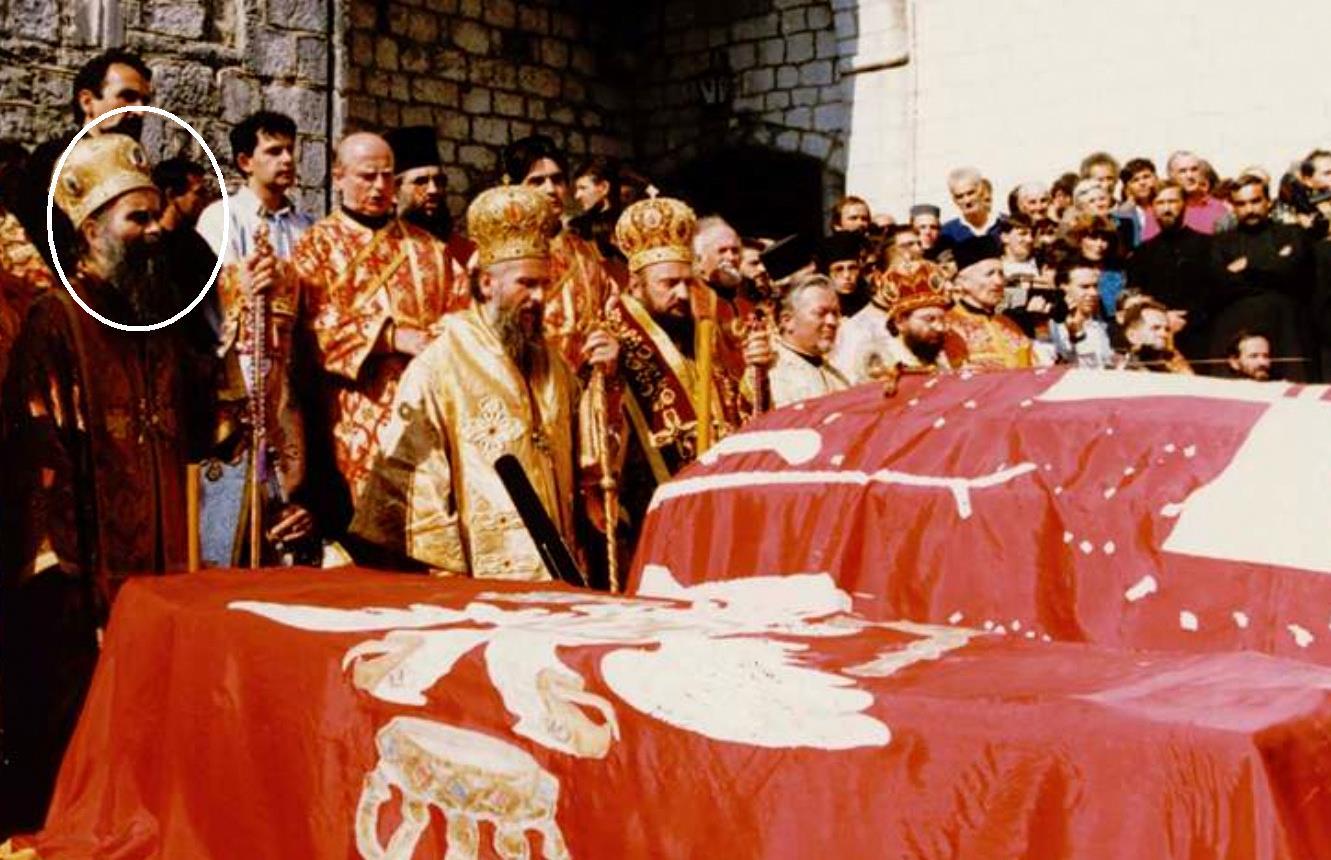 Pod kojom zastavom je sahranjen kralj Nikola? Pozivamo Amfilohija za svjedoka…
