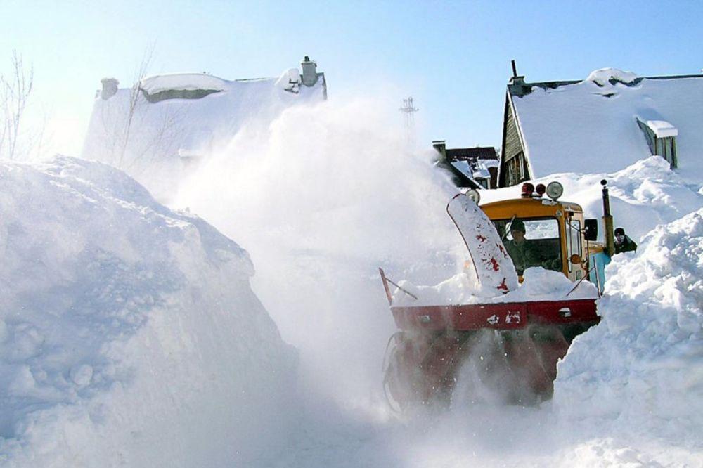 Mašina za čišćenje snijega teško povrijedila radnika Crnagoraputa