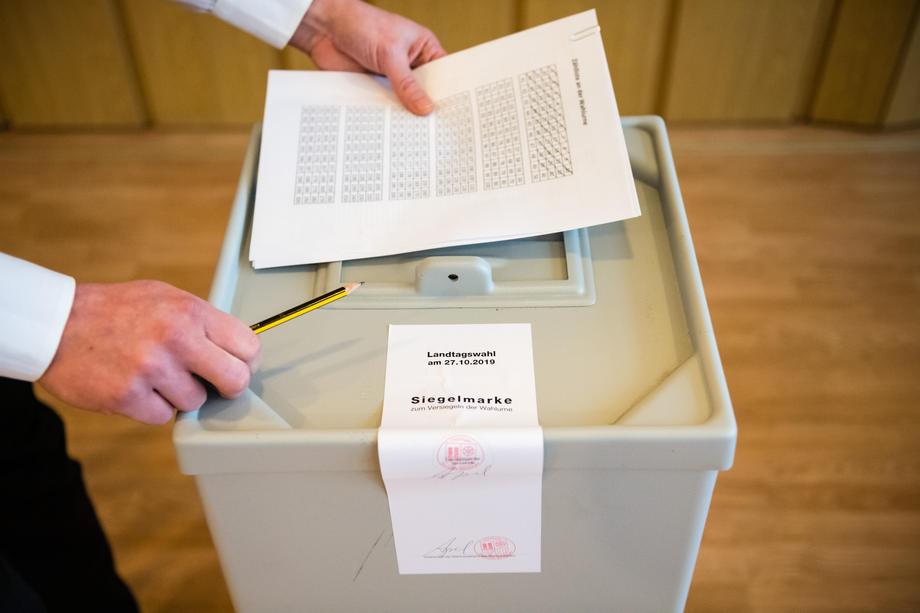 Ministarstvo uprave objavilo da umrli više neće moći glasati