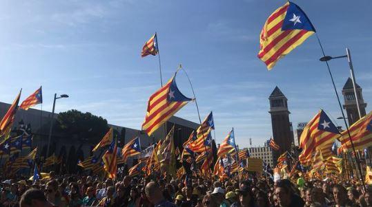 Barselona: Stotine hiljada ljudi na ulicama traži nezavisnost