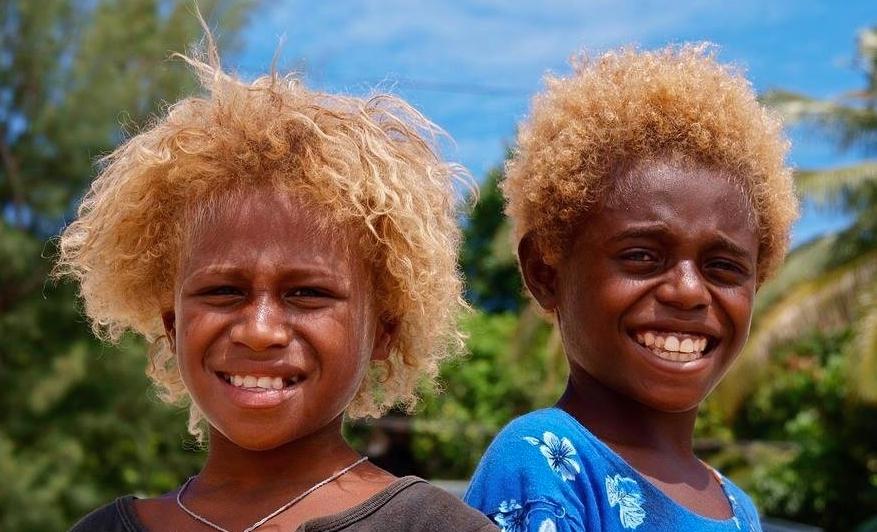 Upoznajte Melanežane, jedine prirodno plavokose crnce na svijetu