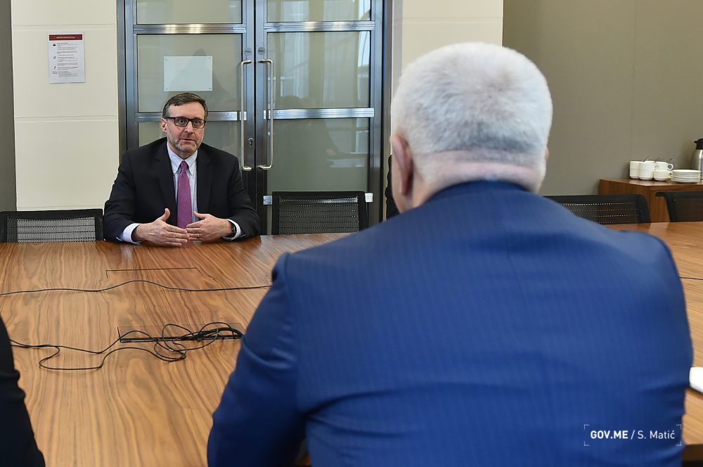 Palmer pohvalio napore Vlade u dijalogu sa SPC
