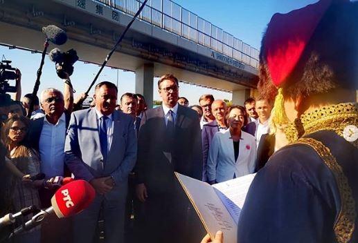"""Vučić, sa Mandićem i Dodikom, otvorio autoput """"Miloš Veliki"""""""