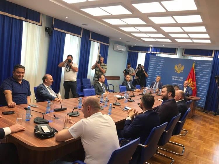 Joković: Preovladava želja da se dođe do dogovora; Mandić: Ako ne možemo naći zajednički jezik onda da idemo na izbore