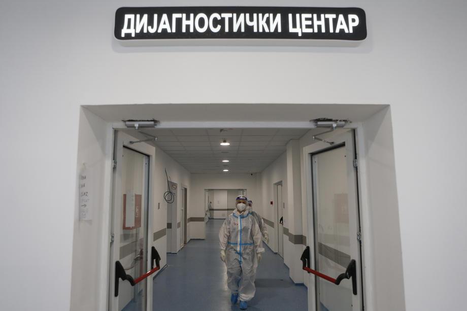 Srbija: Još 40 osoba preminulo, 4.398 novih slučajeva koronavirusa