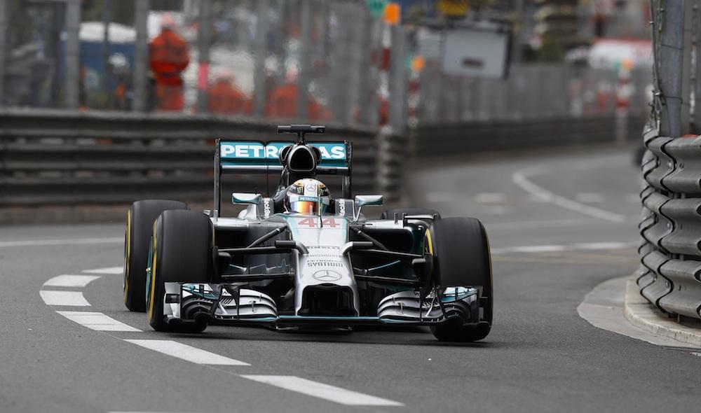 VN Monaka: Hamiltonu pol pozicija