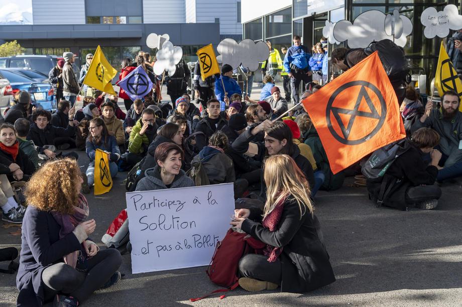 "Protest u Ženevi: Avio-transport je ""apsurdan"", blokirani terminali"