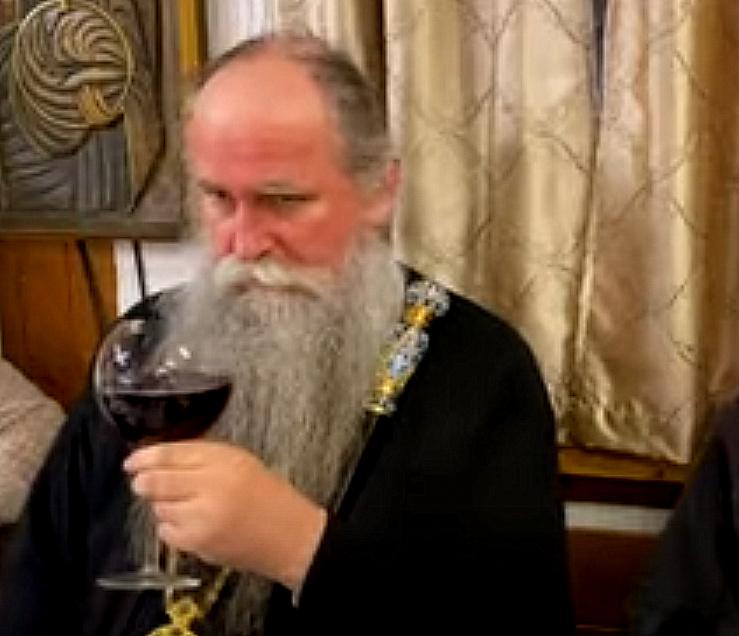 Mićović i sveštenici opet traže odgađanje suđenja po tužbi za krivično djelo