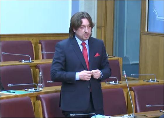Sekulović: Nikakva izdaja nacionalnih i državnih interesa nije u pitanju, već poštovanje Ustava
