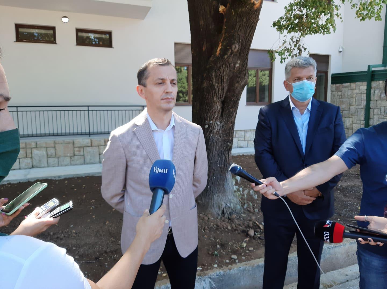 Bošković: Nikome iz vlasti nije palo na pamet da se involvira u proteste u Srbiji, gledamo svoja posla!