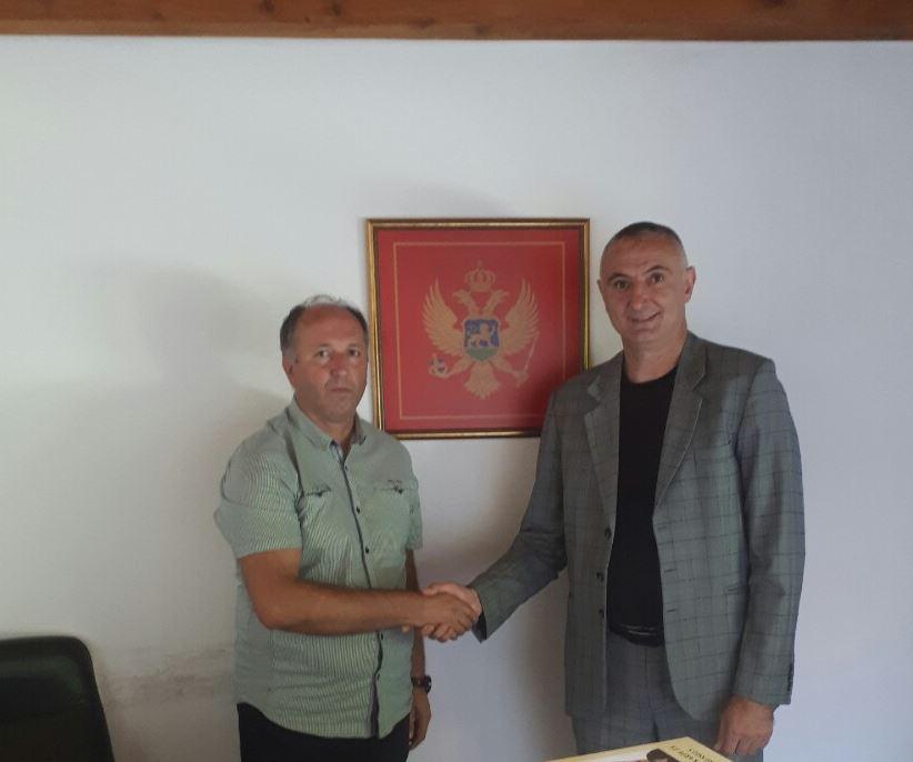 Iz Bijelog Polja 100 knjiga za biblioteku Razvojnog centra Crnogoraca na Kosovu