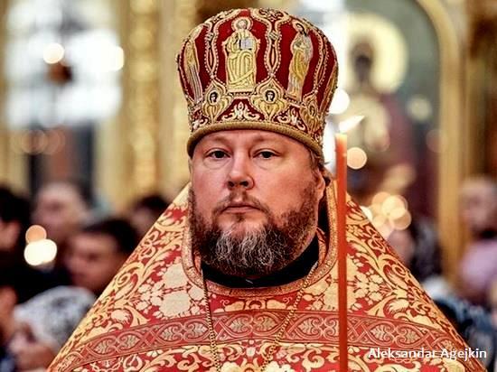 KORONA: Upokojio se bliski saradnik patrijarha Kirila
