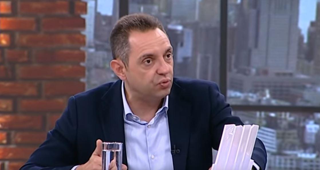 Vulin: Za sve što radi Đukanović, Amfilohije proklinje Vučića
