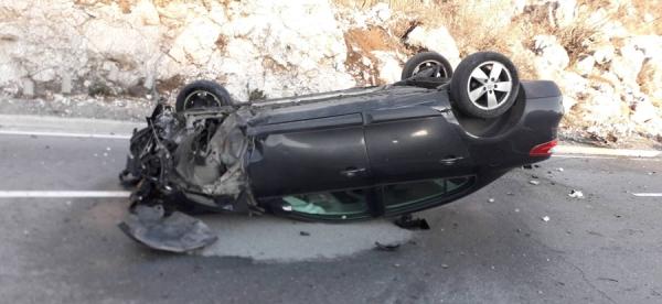 Automobil završio na krovu, Cetinjanin povrijeđen