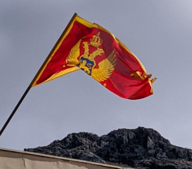 Direktor škole u Kotoru o zastavi: Grešku smo odmah ispravili