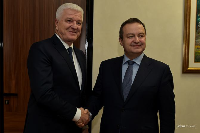 Marković-Dačić: Prioritet povezivanje autoputem i obnova željeznice
