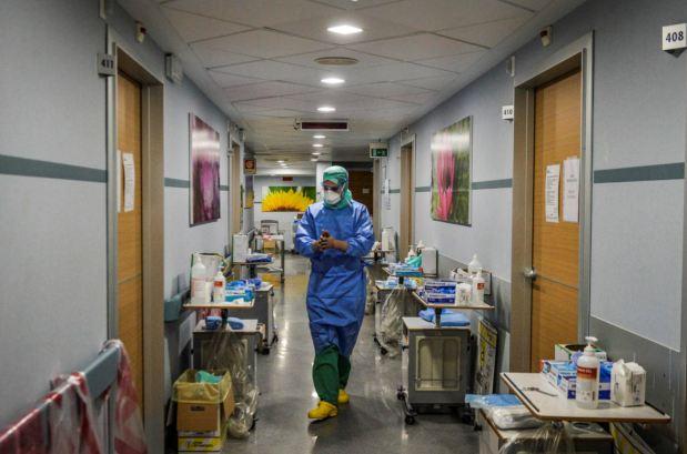 Crna statistika: 400 hiljada žrtava koronavirusa