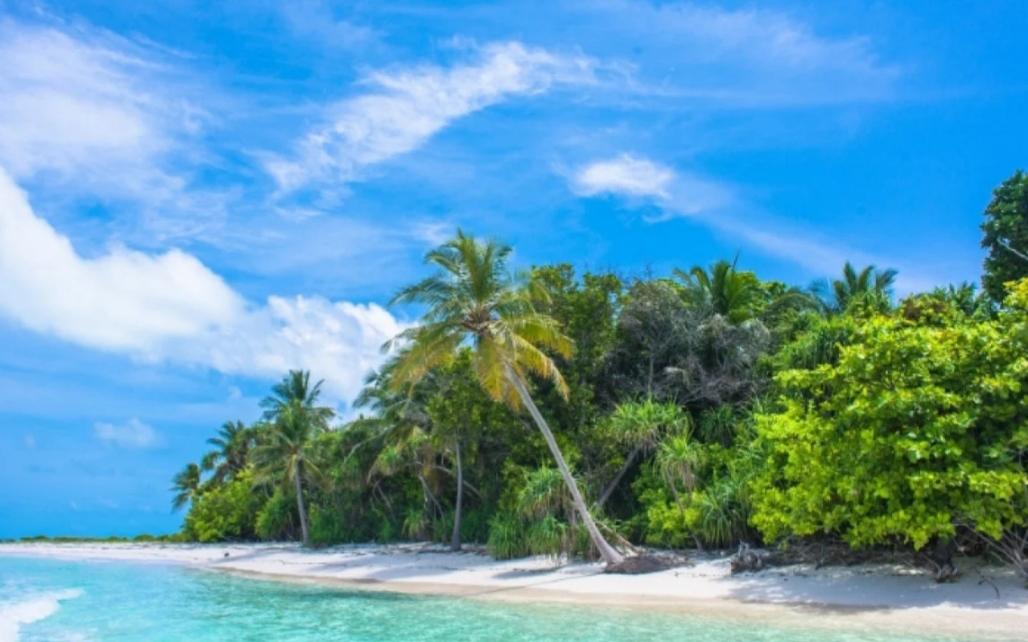 Ostrvo, plaža i spektakl za pamćenje