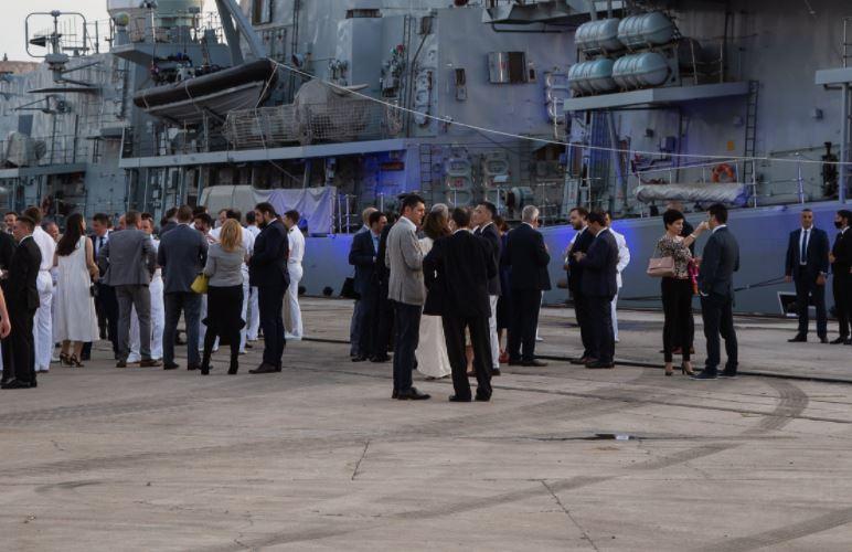 I Leposavić bio gost na brodu britanske kraljice!?