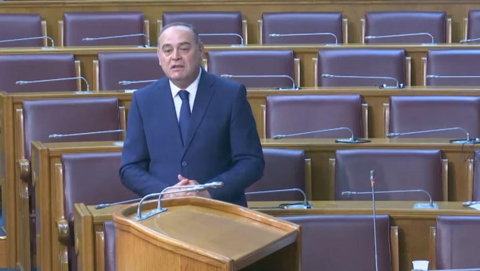 Simović: Smiješno je pomisliti da se u Crnoj Gori, gdje znamo šta ko ruča danas, nešto sakrilo