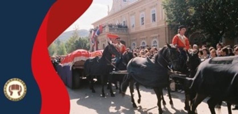 """U Dvorcu Petrovića izložba """"Povratak kralja"""""""