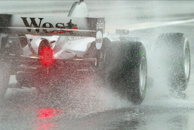 Tajfun prijeti Formuli 1