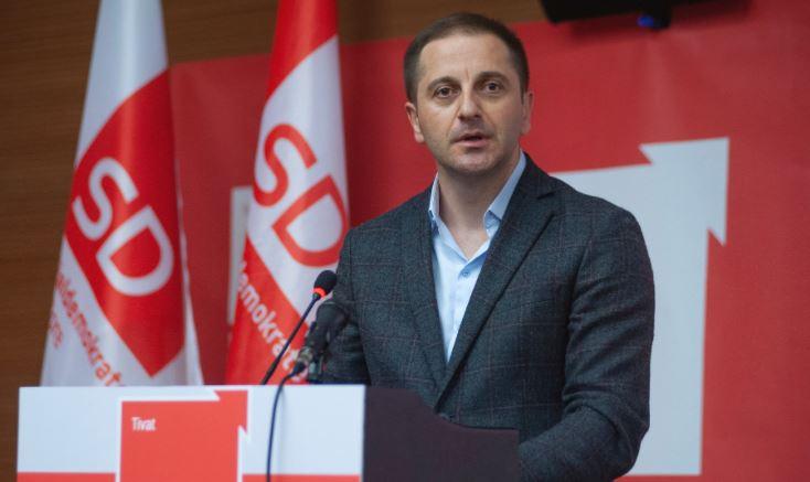 Šehović: Ko planira prodaju EPCG Srbiji?