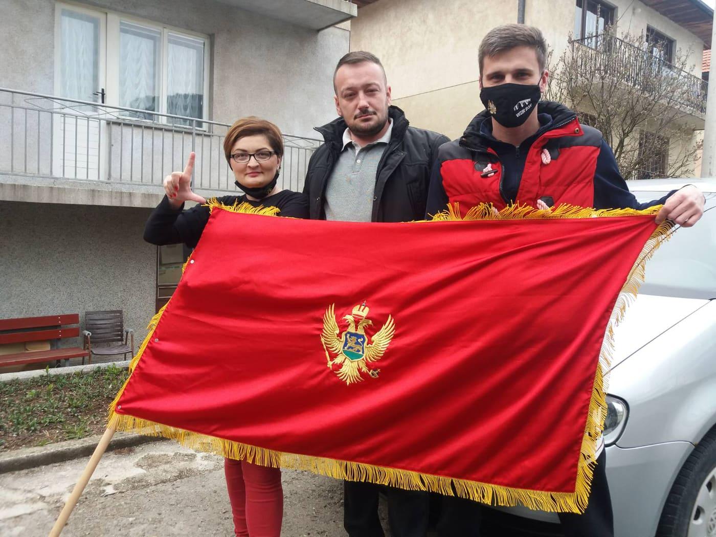 Auto-kolona i u Pljevljima: Uprkos zastrašivanju najhrabriji građani izašli na ulice, policija ih popisuje