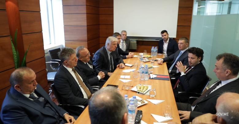 Abazović sa dijasporom i iseljenicima u Istanbulu: Most ste zbližavanja Crne Gore i Turske