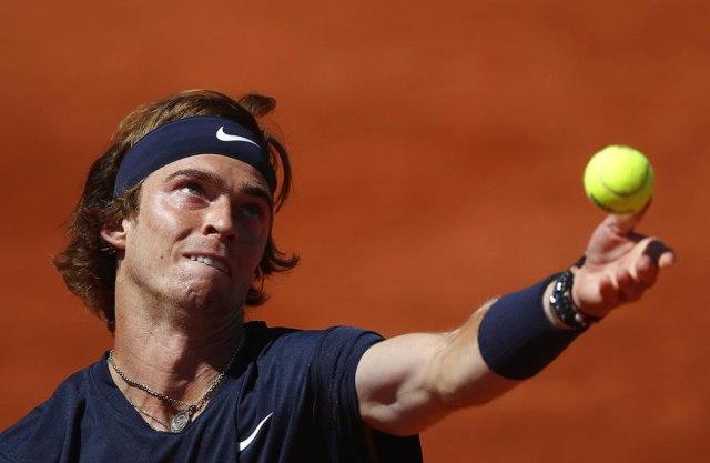 Ispao još jedan top-10 teniser