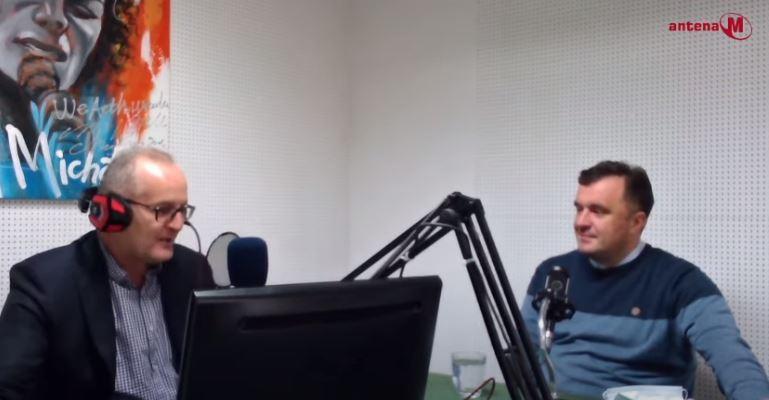 Poslušajte Drugačiju radio vezu: Gost Zlatko Vujović