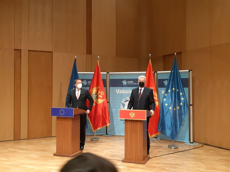 Varhelji o miješanju Srbije u unutrašnje stvari CG: Nikada ne bih ohrabrio nijednu zemlju da se miješa u unutrašnju politiku druge države