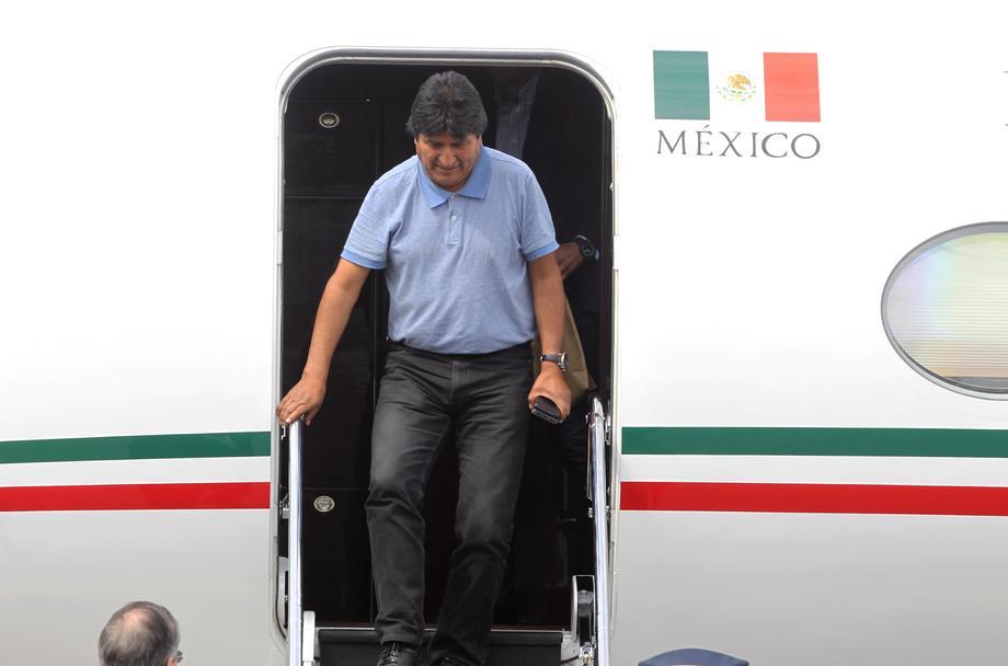 Morales stigao u Meksiko, dočekao ga šef diplomatije