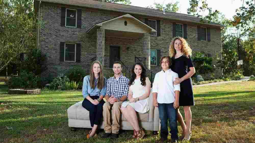 Za 9 mjeseci svojim rukama izgradila kuću: Majka četvoro djece napravila savr...