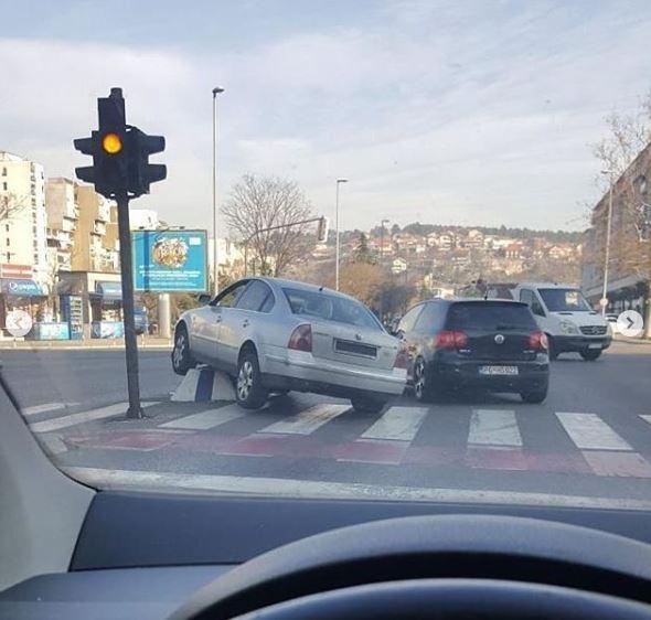 Vozite oprezno: Saobraćajna nezgoda u centru Podgorice