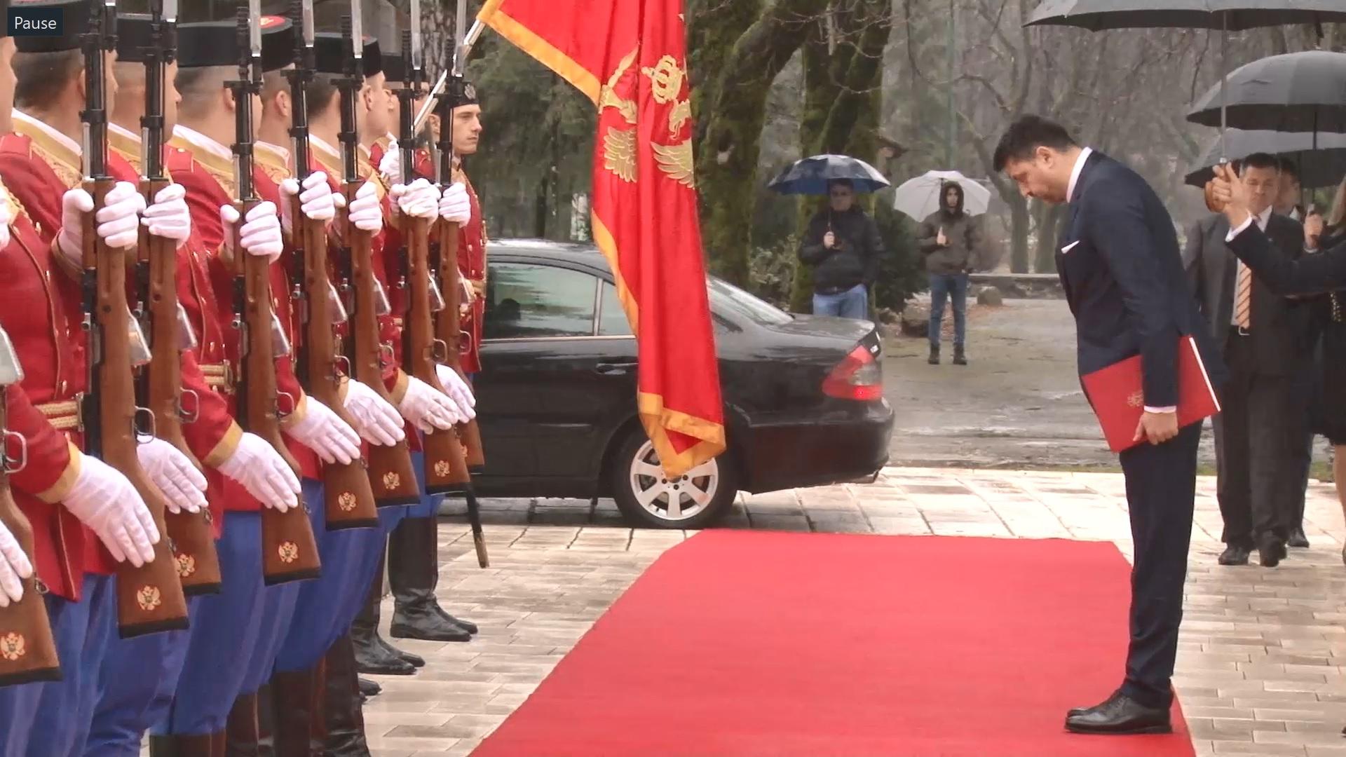 Uoči predaje agremana: Božović iskazuje poštovanje crnogorskoj zastavi