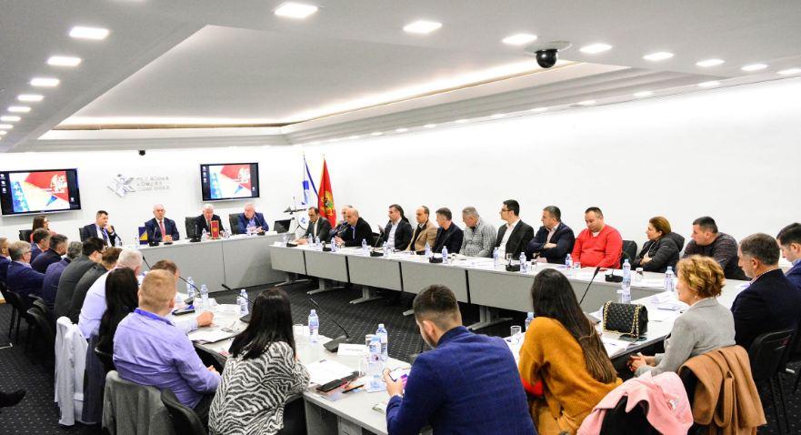 Golubović: Što prije donijeti odluku o izgradnji puta Foča-Plužine