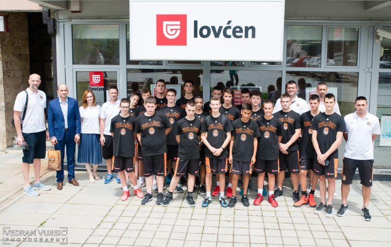 Polaznici košarkaškog kampa pośetili poslovnicu Lovćen osiguranja